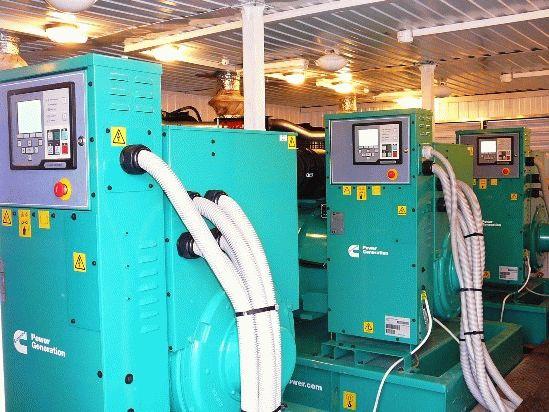 Поселковая дизельная электростанция из нескольких генераторов