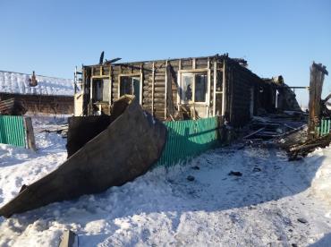 Старый ФАП уничтожен пожаром год назад