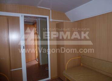 Жилая комната в вагон-доме