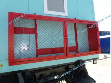Пожарный щит на вагон-доме мастера