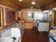 Кухня в вагон-доме столовой