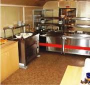 Вагон-дом - столовая, линия раздачи питания
